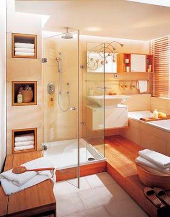 小户型卫浴装修利用多面镜子延伸空间