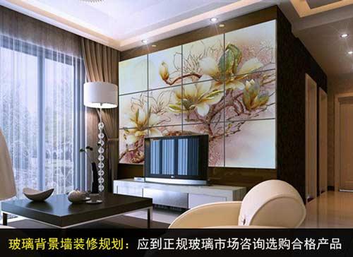 是根据客厅的大小及电视的尺寸来决定背景墙的大小
