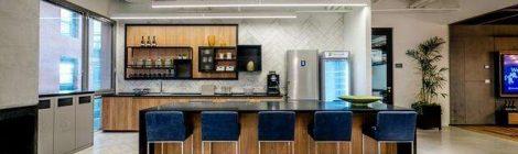 办公室装修材料彩钢板的特性