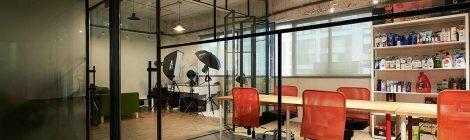 如何制作办公室装修草板隔墙